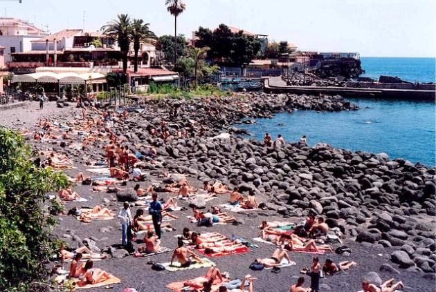 """Caldo, a Catania """"ondate di calore anomale"""" fino a domani"""