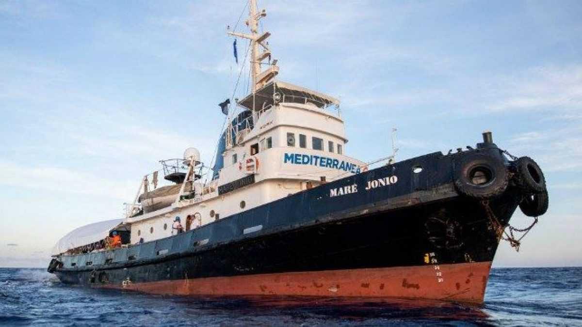 """Lampedusa, appello dalla Mare Jonio: """"Siamo rimasti senz'acqua"""""""
