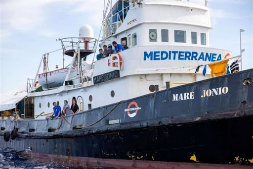 Migranti, il tribunale di Palermo dissequestra la 'Mare Jonio'