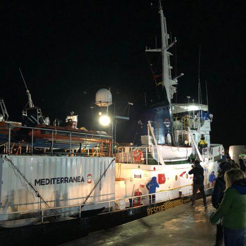 Migranti, Mare Jonio a Lampedusa aspetta Procura