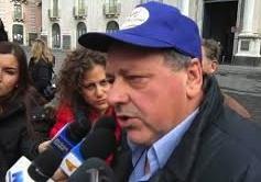 """La protesta contro le aste giudiziarie a Ragusa, """"tregua"""" momentanea"""