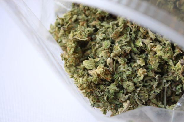 Siracusa, nasconde più di 300 grammi di droga in casa: arrestato