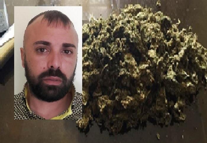 Catania, nel bagno di casa gli trovano quasi un chilo di marijuana