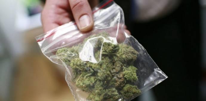 Ai domiciliari con due buste di droga, arrestato a Catania