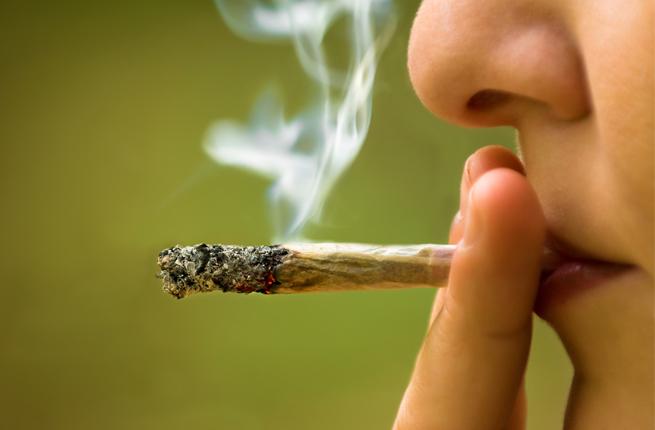 Giovane del Gambia trovato col 'fumo' a Siracusa: segnalato