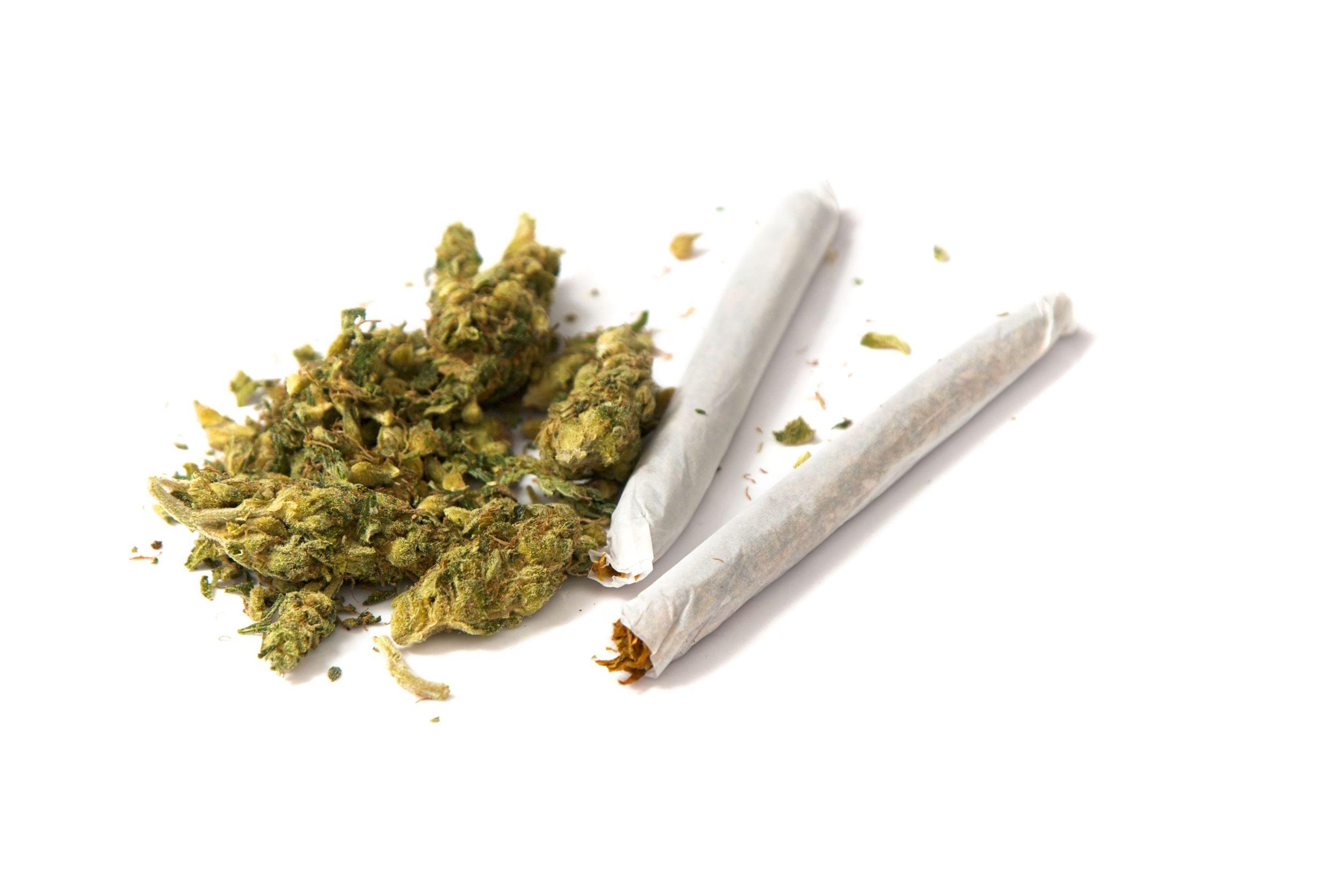 Trovato con la marijuana in un controllo su strada a Siracusa: denunciato