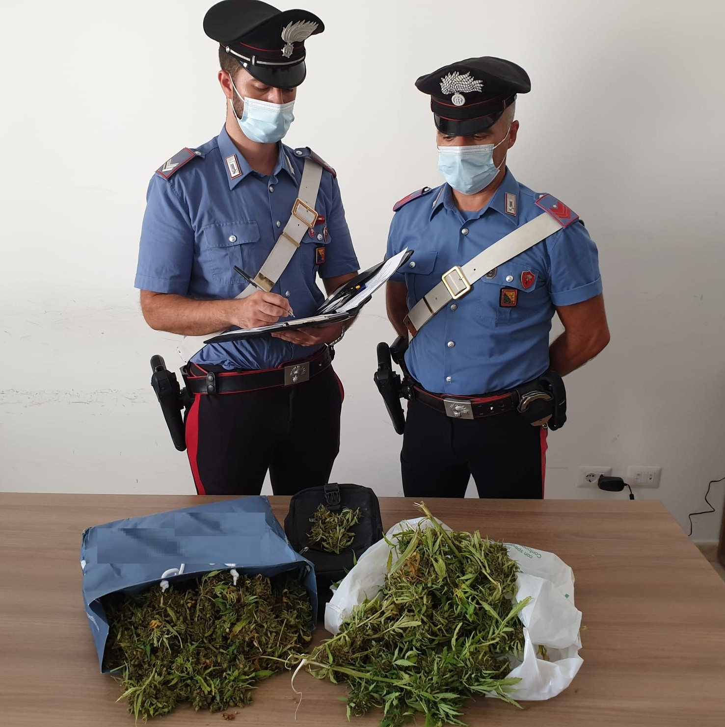 Carlentini, aveva quasi due chili di marijuana: arrestato un minorenne