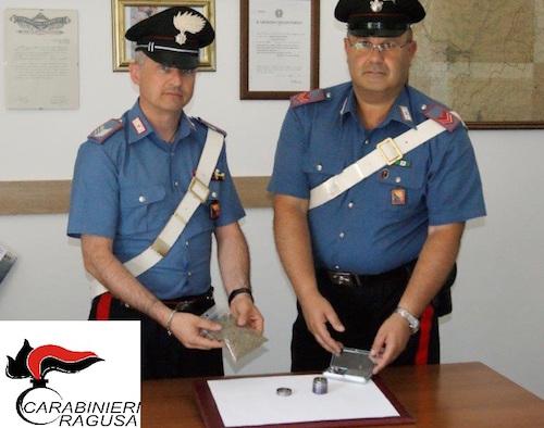 Ragusa, non si ferma all'alt: inseguito e trovato con droga: arrestato
