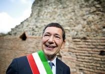 Roma, si dimettono 26 consiglieri: decadono sindaco e giunta