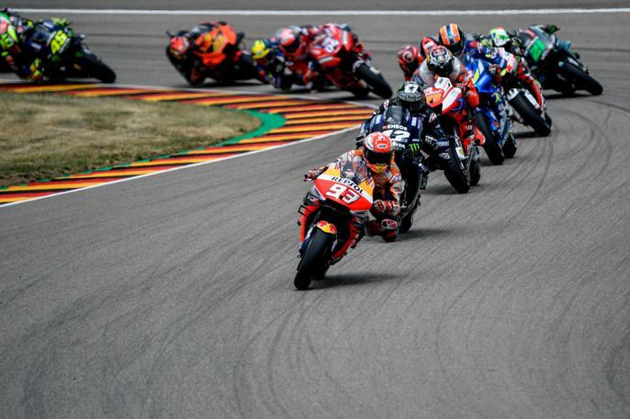 MotoGp, in Germania Marquez fa il vuoto: Valentino Rossi è solo ottavo