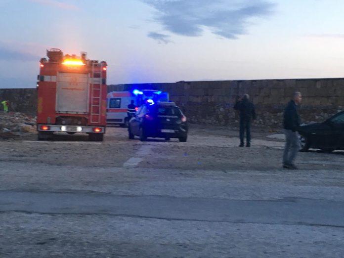 Tenta il suicidio nel porto di Marsala, un carabiniere lo salva
