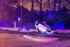 L'auto finisce contro un muro, morta a Martina Franca ragazza di 19 anni