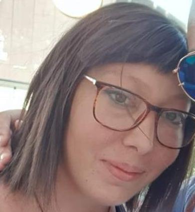 Solarino, morta a 29 anni per un brutto male: lascia il marito e tre figli piccoli
