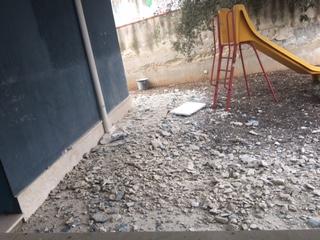 """Blitz della parlamentare 5 Stelle  Marzana nelle scuole di Solarino: """"Uno scempio"""""""