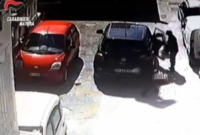 Rubavano armi nei municipi di Puglia e Basilicata: cinque arresti
