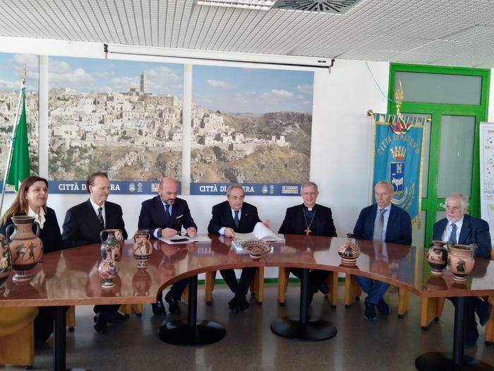 Gemellaggio tra Matera e Crotone, firmato un protocollo