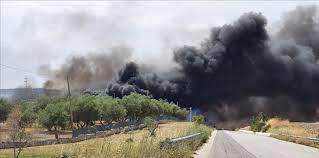 Brucia la discarica di Matera, i sindaci ai cittadini: restate a casa