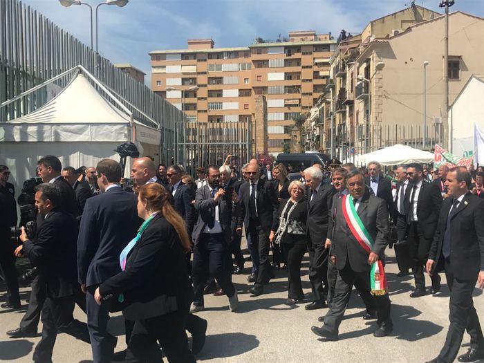 Mafia, venticinque anni fa la strage di Capaci. Palermo ricorda Falcone