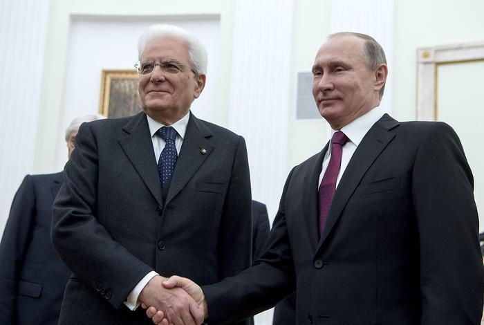 Mattarella a Putin: uniti contro il terrore
