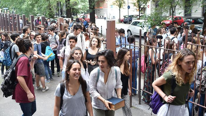 Maturità, al via gli orali per 520 mila studenti:non c'è  più la tesina