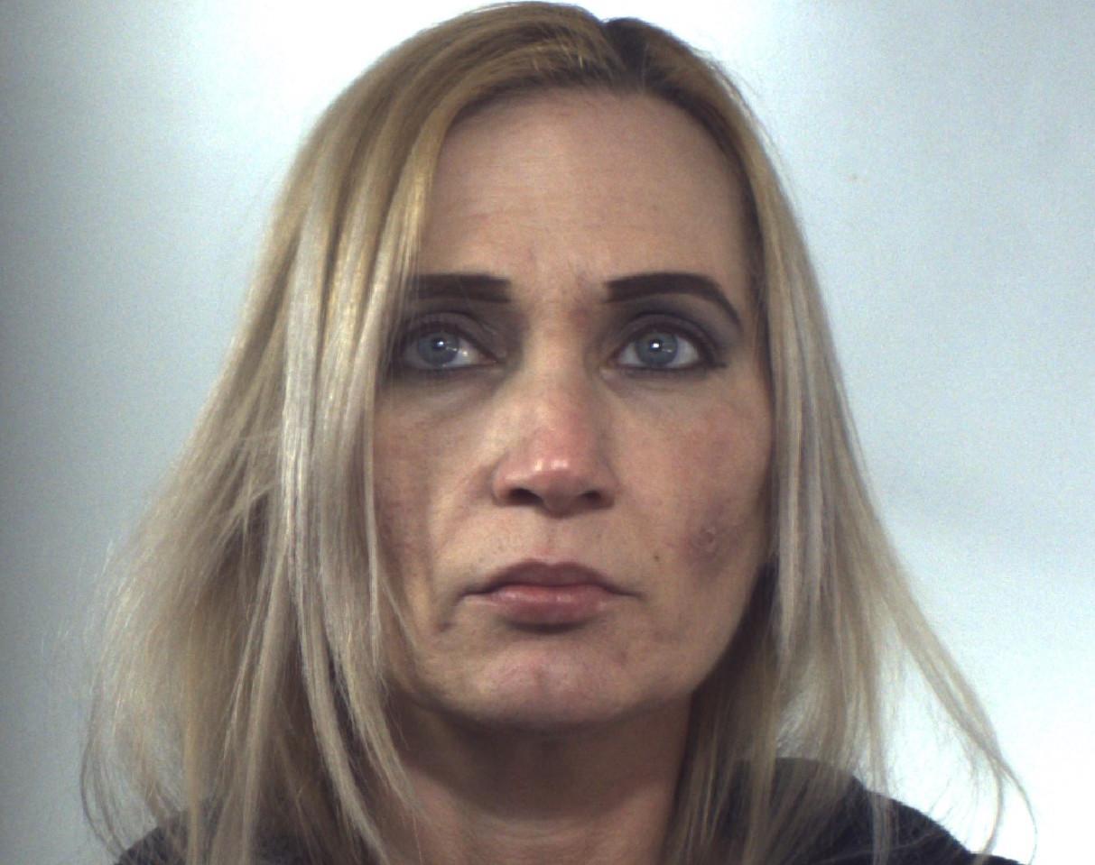Pachino, le trovano l'eroina già suddivisa in dosi: finisce arresti domiciliari