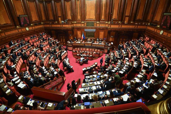 Manovra, domani il maxi emendamento in Aula