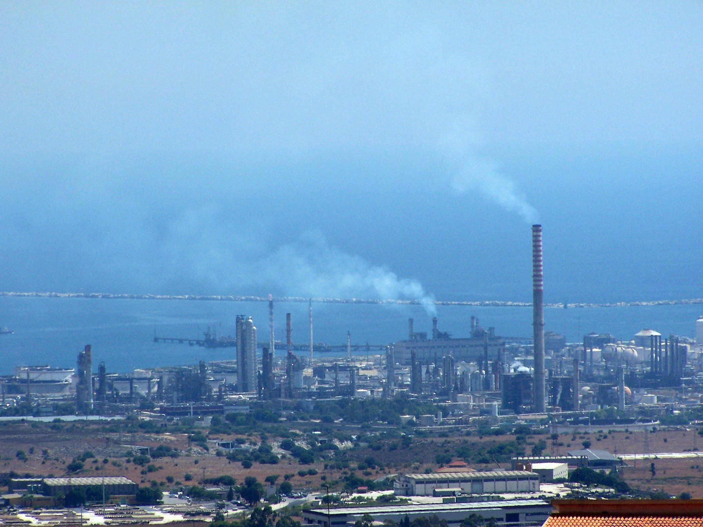 Siracusa, veleni industriali e salute pubblica: l'intervento di Granata