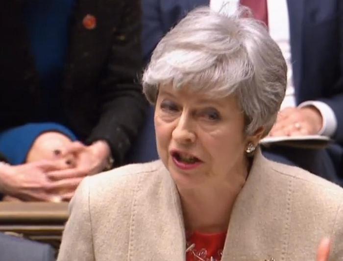 Brexit, la Camera dei Comuni rigetta l'accordo ma la May non si dimette