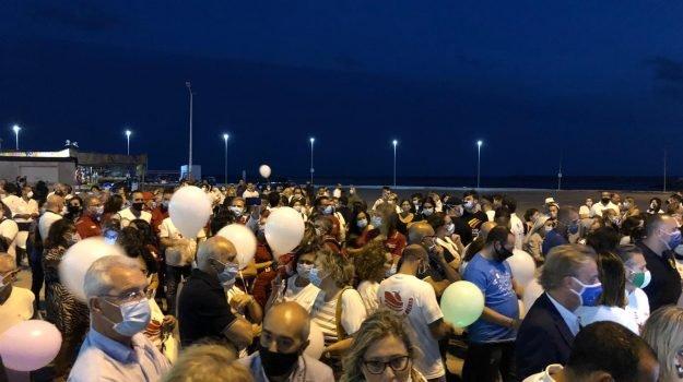 """In piazza  in 500 a Mazara per i pescatori in Libia: """"Li vogliamo a casa"""""""