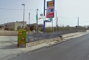Pachino, due banditi assaltano un supermercato in periferia
