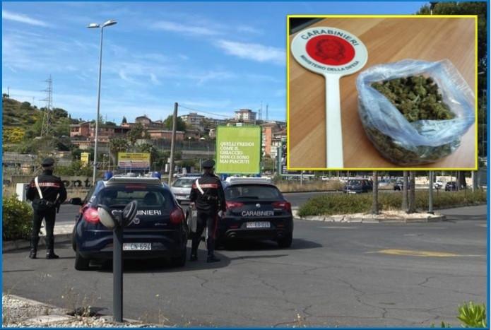 Catania, marijuana sotto il sedile dell'auto: meccanico in manette