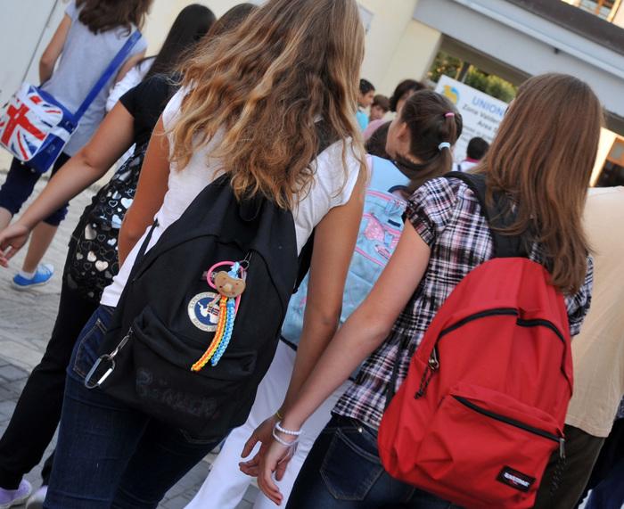 Scuola, saltano gli esami di scuola media: via libera al decreto