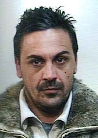 Mascali, armato di sega sequestra una giovane, poi la deruba e la violenta: arrestato