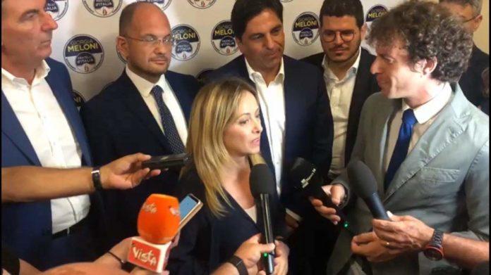 """Meloni a Catania: """"Si torni al voto, maggioranza Lega - Fdi è schiacciante"""""""