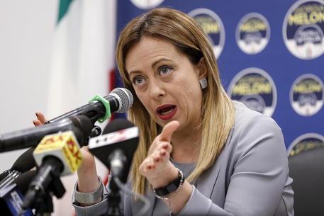 """Giorgia Meloni minacciata da uno stalker: """"Ho paura per mia figlia"""""""