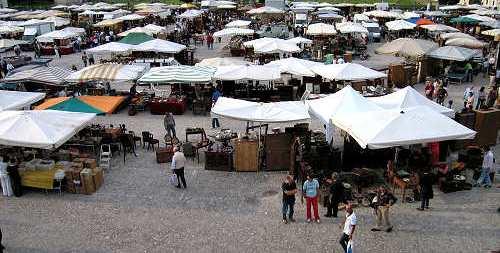 Botte per i posti al mercato di Reggio Calabria: 3 arresti