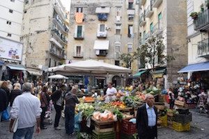 Napoli, esplosi colpi di pistola nel quartiere della Pignasecca