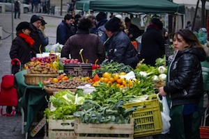 Inflazione a novembre a - 0,4%, ma aumenta il carrello della spesa