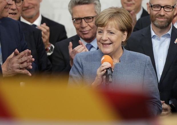 Elezioni in Germania: vince la Merkel, ma è in calo, boom di Afd