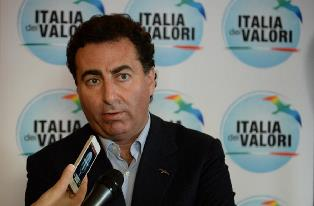Messina invita gli ex grillini ad aderire a Italia dei Valori