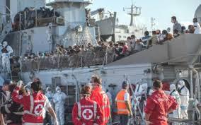 Sbarcati a Messina 285 migranti, ma niente posti: saranno trasferiti