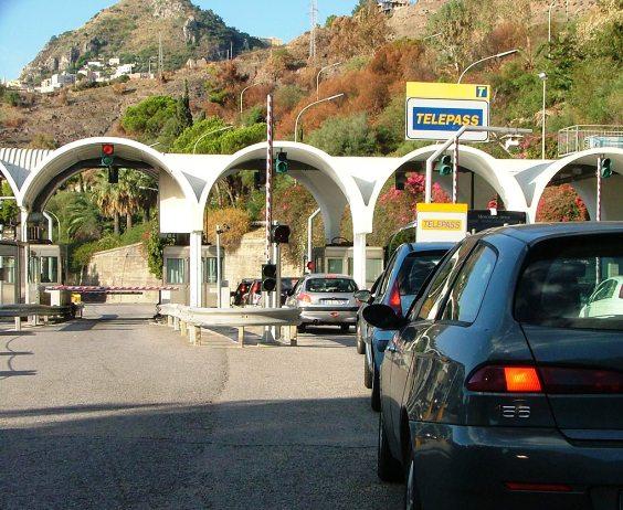 """""""Procedura negoziata"""" per i lavori sull'autostrada Messina - Catania"""