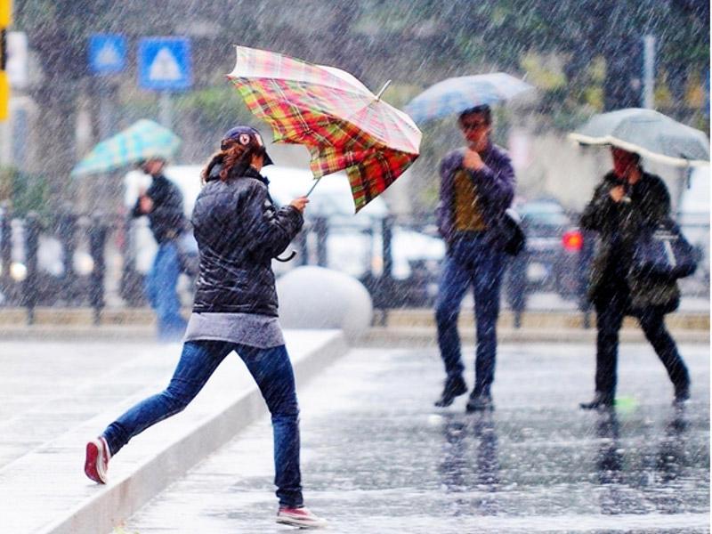 Maltempo: fine anno con pioggia e vento, tregua a San Silvestro