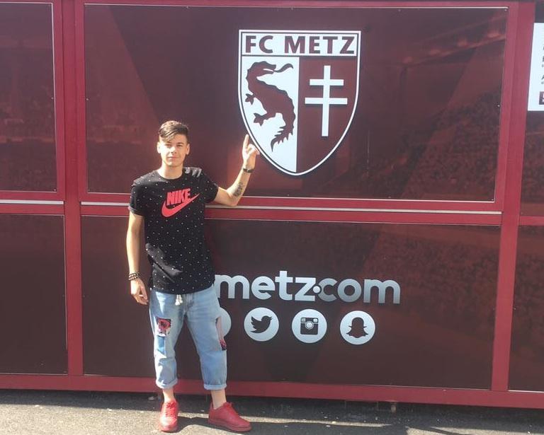 Giovane calciatore siracusano già della Spal alla corte dei francesi del Metz