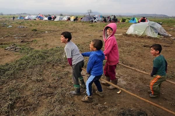 Migranti, accordo raggiunto tra Ue e Turchia: da domenica scattano i rimpiatri