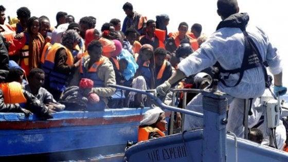 Palermo, migranti: 3 scafisti condannati, multe milionarie