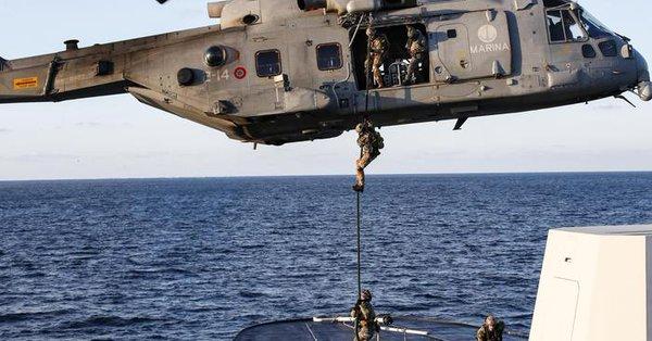 Libia, naufraga un gommone di migranti: 3 salvati