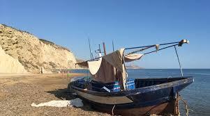 Migranti, intercettata piccola barca a Porto Empedocle: 7 o 8