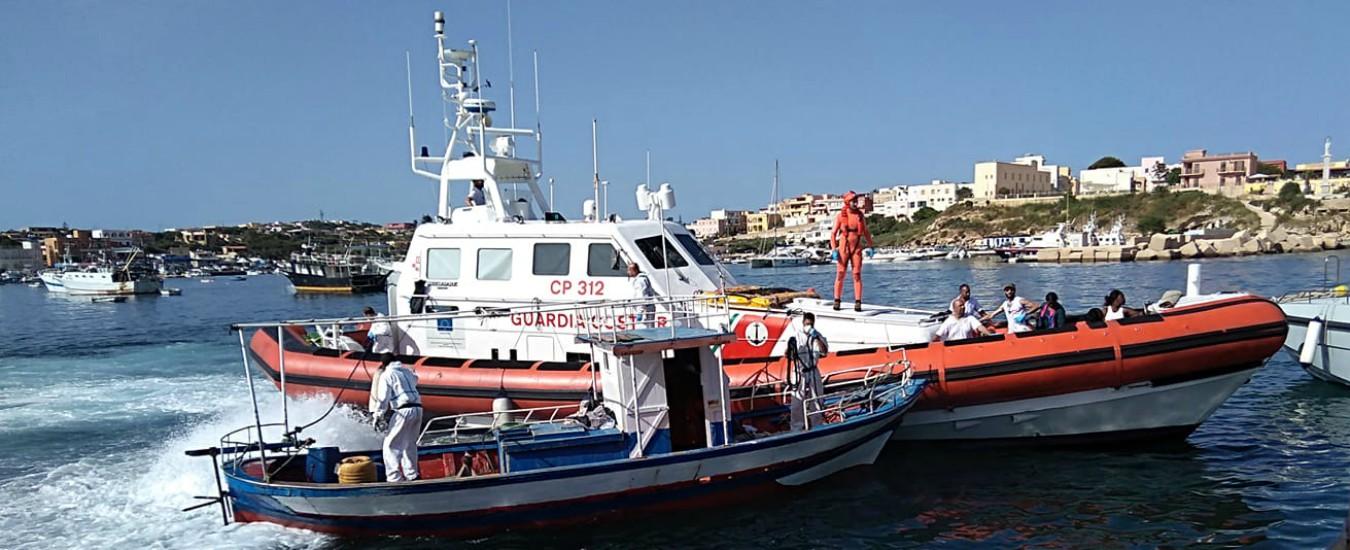 Sbarcati a Lampedusa 29 migranti: li ha soccorsi la Guardia costiera