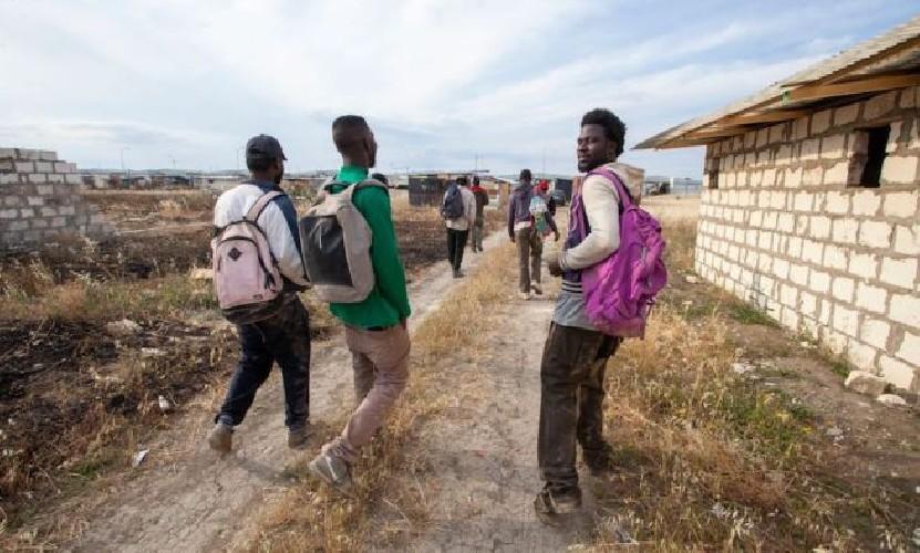 Ventotto migranti fuggono dal Centro di Cifali tra Ragusa e Comiso